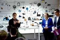 Bildungsministerin Karin Prien eröffnet das demokratie:werk der Kieler Forschungswerkstatt