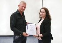 Johanna Hansen erhält den diesjährigen IPN-Preis für herausragende empirische Abschlussarbeiten aus dem Bereich der Didaktik der Naturwissenschaften und Mathematik
