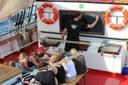 Nach elftägiger Summerschool auf See läuft der Dreimaster Thor Heyerdahl in Kiel ein, mit an Bord: Experimente aus der Kieler Forschungswerkstatt