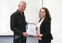Johanna Hansen receives this year's IPN Prize for outstanding empirical theses in the field of science and mathematics didactics